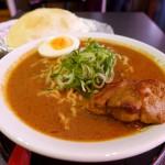 『カトマンドゥラーメン』~カレー麺にナン!?ゴルカ麺系列のカレーラーメン専門店が南森町にOPEN☆~